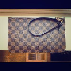 Louis Vuitton Neverfull Pochette, GM/MM